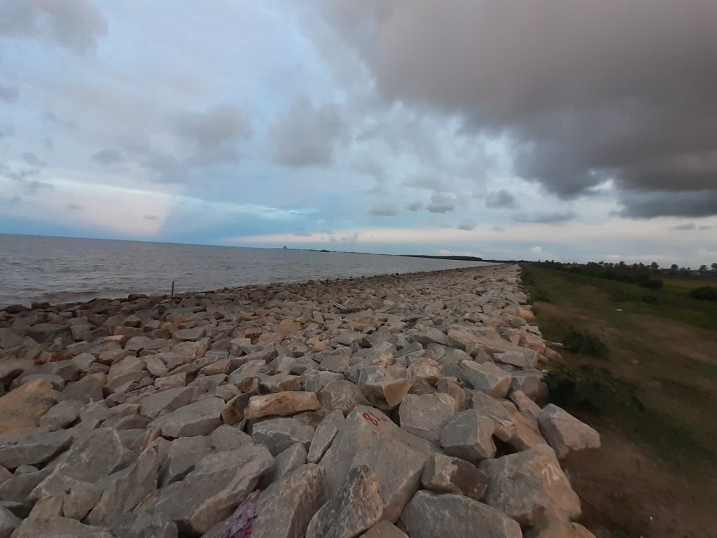 Forecasted High Tides Failed To Overtop Seawall - West Coast Demerara